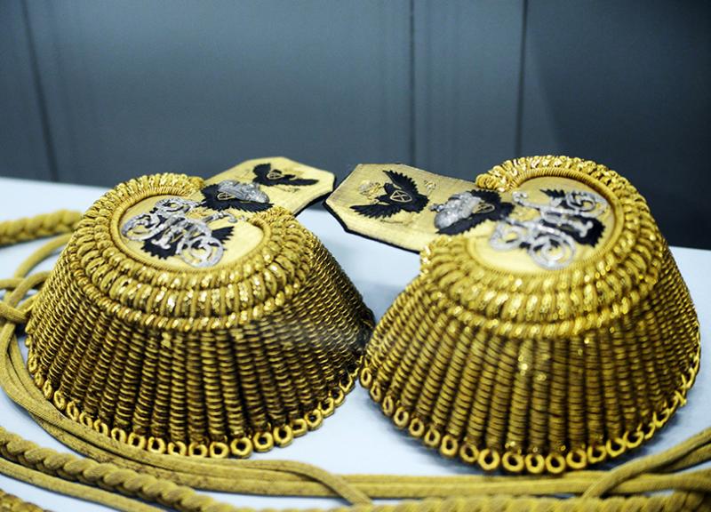 Эполеты адмиральские с серебряным вензелем «Н I», принадлежали адмиралу М. П. Лазареву армия, история, погоны