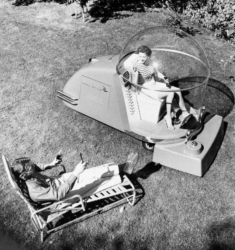 Машина для стрижки газона с кондиционером - писк моды 1950-х истории, любопытно, люди и мир, новый взгляд, познавательно, репортажные снимки, фото, фотографии