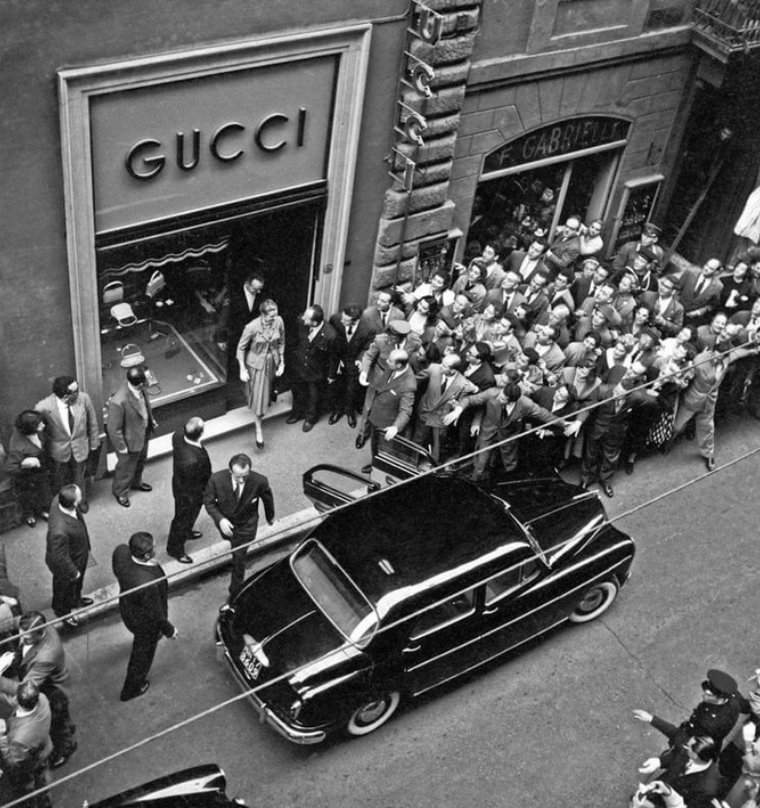 Открытие первого магазина Gucci. Нью-Йорк, 1953 год истории, любопытно, люди и мир, новый взгляд, познавательно, репортажные снимки, фото, фотографии