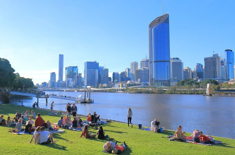 Вести себя чересчур официально Австралии, в мире, закон, люди, порядок, правила