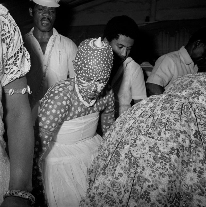 """13. Кадр со съемки передачи """"Ритуал"""", Бразилия, 1980 год век, мир, прошлое, снимок, событие, странность, фотография"""