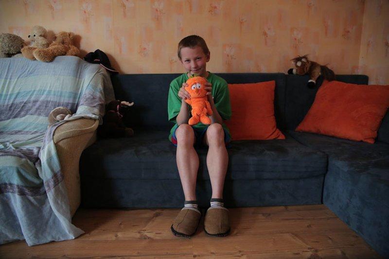 В латышском доме, где в месяц на семью уходит $480, любимая игрушка — мягкая игрушка в мире, дети, игрушка, люди, страны
