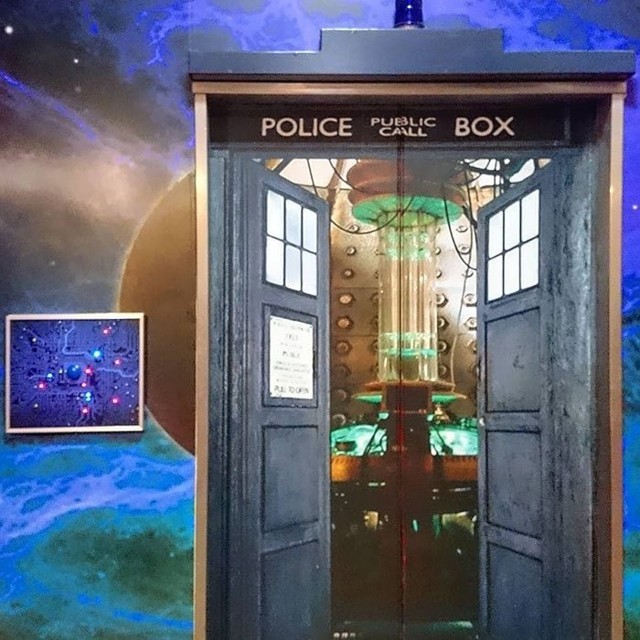9. Лифт по мотивам сериала «Доктор Кто» в мире, дизайн, дизайнеры, красота, креатив, лифтк, фантази