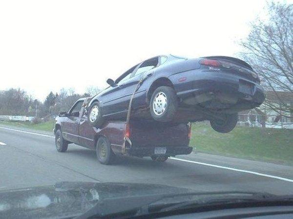 Для перевозки легковых автомобилей не нужен фургон или спецтранспорт груз, грузоперевозки, грузопревозка, перевозка, перевозчик, прикол, юмор