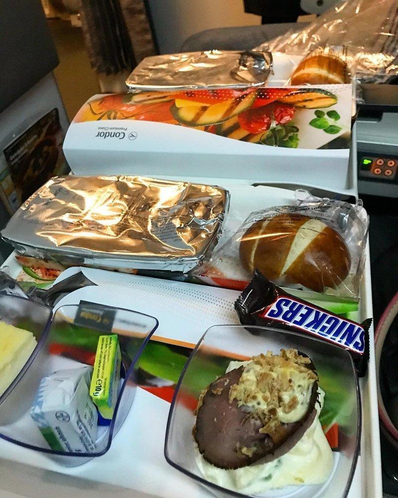 """10. Немецкая авиакомпания """"Condor Airlines"""" авиакомпании, еда на борту, отпуск, питание в самолете, поездка, рейс, фото"""