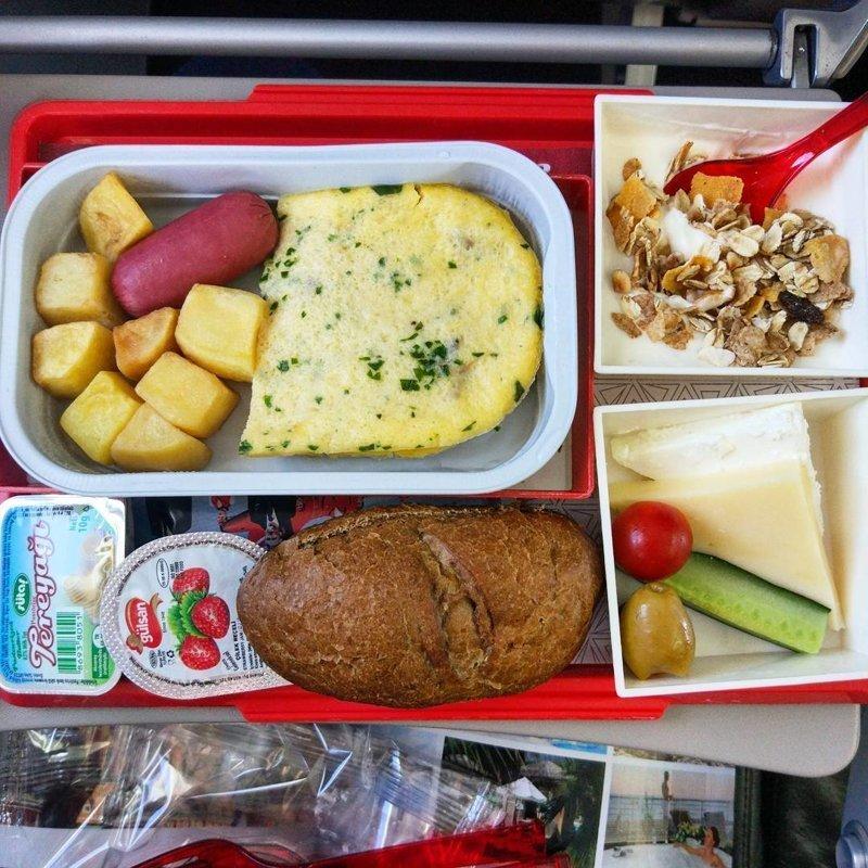 """4. Обед с турецкой авиакомпанией """"Atlasglobal"""" авиакомпании, еда на борту, отпуск, питание в самолете, поездка, рейс, фото"""