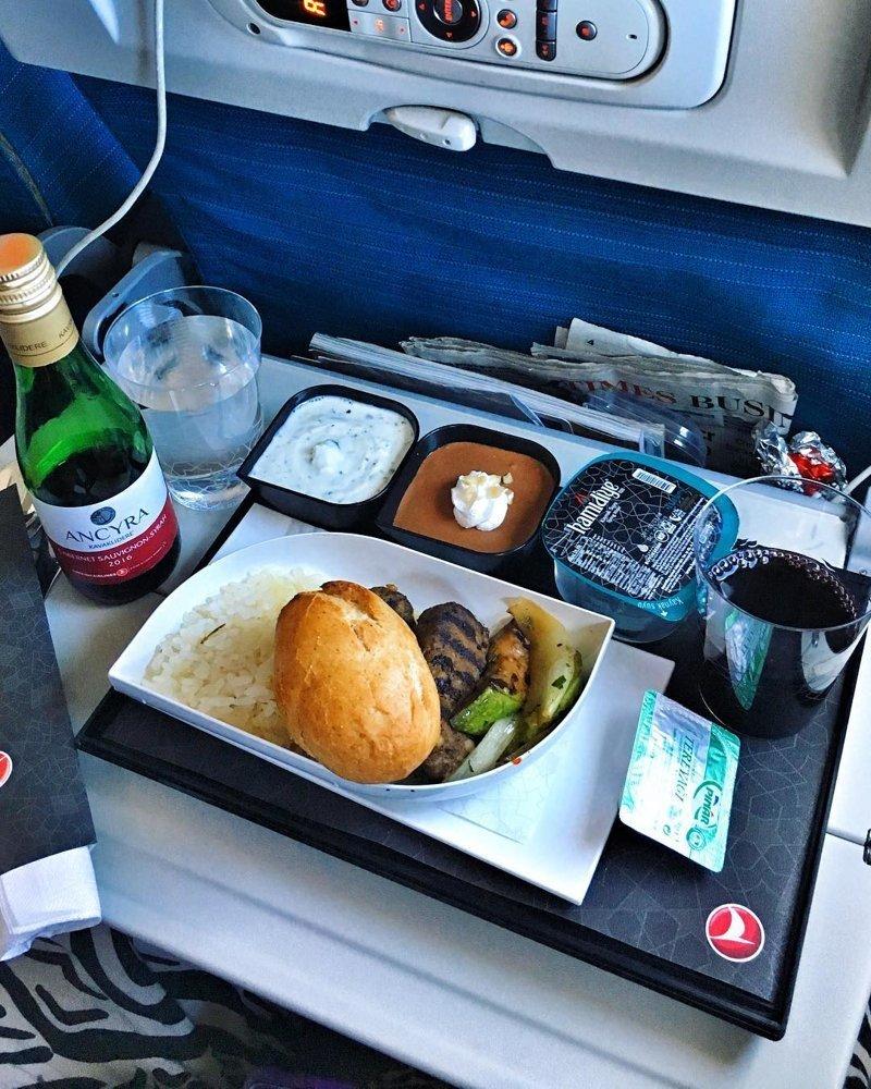 9. Обед от турецких авиалиний авиакомпании, еда на борту, отпуск, питание в самолете, поездка, рейс, фото