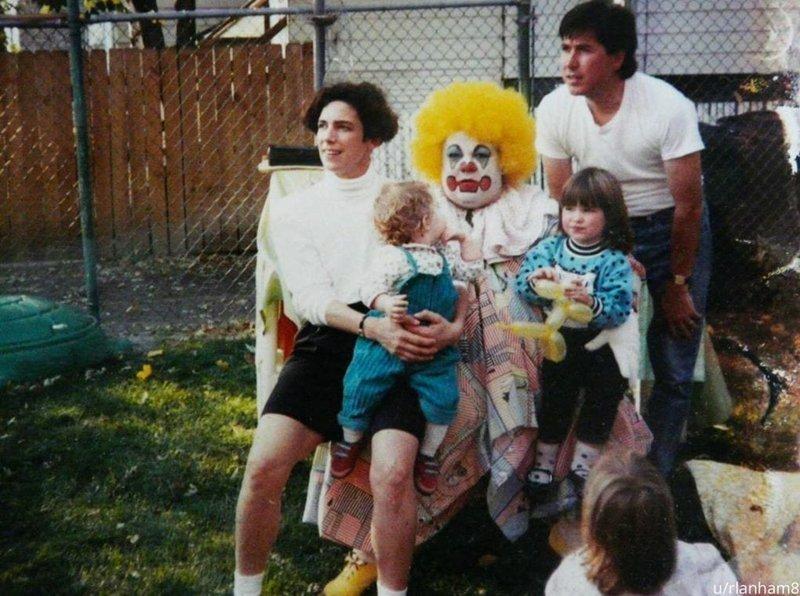 «Это был мой первый день рождения. Я в комбинезоне» архив, кадр, прикол, семейное фото, семья, фото, юмор