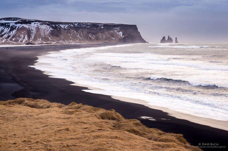 Живописный пляж Рейнисфьяра (Reynisfjara) с черным песком исландия, красиво, красивый вид, природа, путешествия, туризм, фото, фотограф