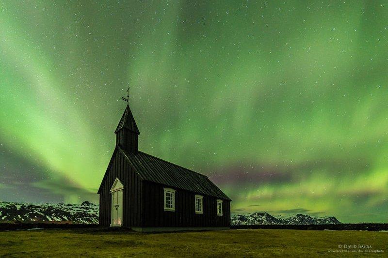 """""""Эта ночь точно останется в памяти надолго. Я не мог остановиться, и без конца колесил по местности"""" исландия, красиво, красивый вид, природа, путешествия, туризм, фото, фотограф"""