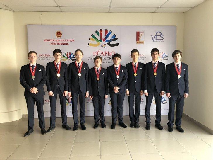 Российские школьники завоевали шесть золотых медалей на Азиатской олимпиаде по физике Хорошие, добрые, новости, россия, фоторепортаж