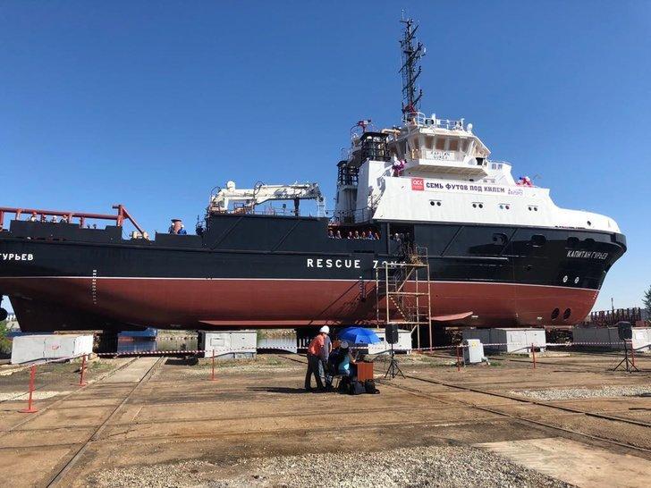 Астраханский СРЗ спустил на воду спасательно-буксирное судно «Капитан Гурьев» Хорошие, добрые, новости, россия, фоторепортаж