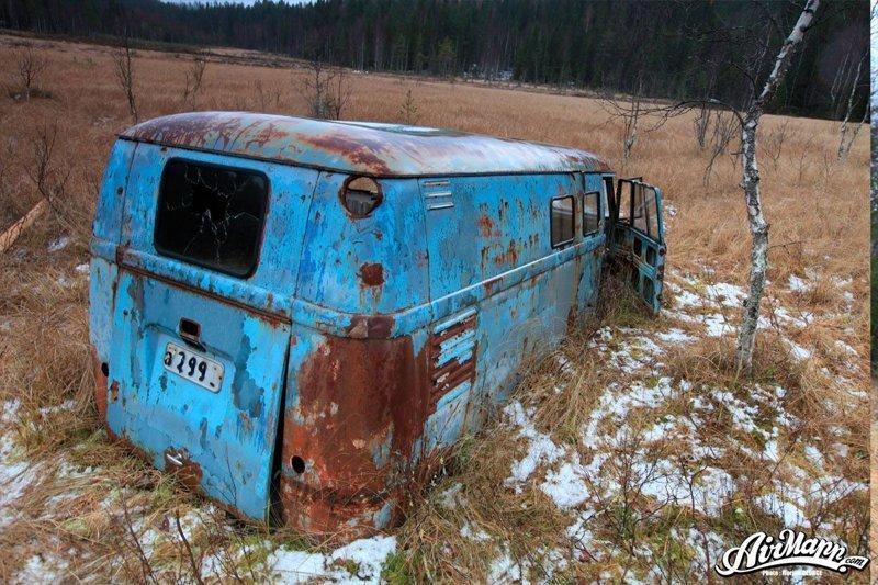 Флориан купил автобус у сына последнего владельца, который до сих пор владеет землей. volkswagen, volkswagen t1, авто, автомобили, находка, олдтаймер, ретро авто, фургон