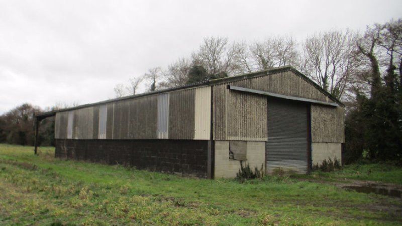 """Британский застройщик Роб Лонд-Кок (Rob Lond-Caulk) преобразил сельскохозяйственное строение в Норфолке, Великобритания. Фото """"до"""": дизайн, до и после, дом, жилье, переделка, ремонт, трансформация"""