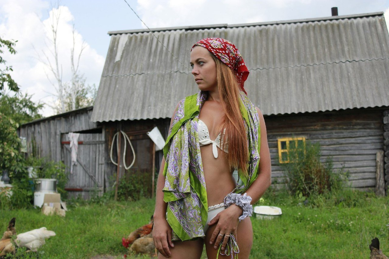 russkoe-derevenskoe-lyubitelskoe-video-seks-s-igrushkami-v-dve-dirki