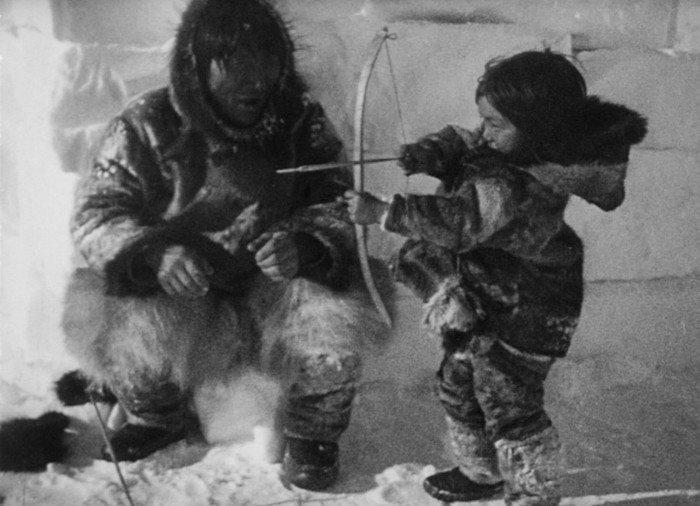 Навыки воинов чукчи прививали детям с раннего возраста. история, россия, чукотка