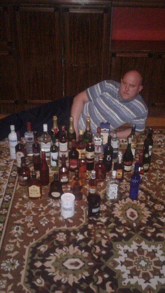 Ну вы помните, что чрезмерное употребление алкоголя вредит здоровью девушки, люди, мачо, прикол, россия, село, селянство, юмор