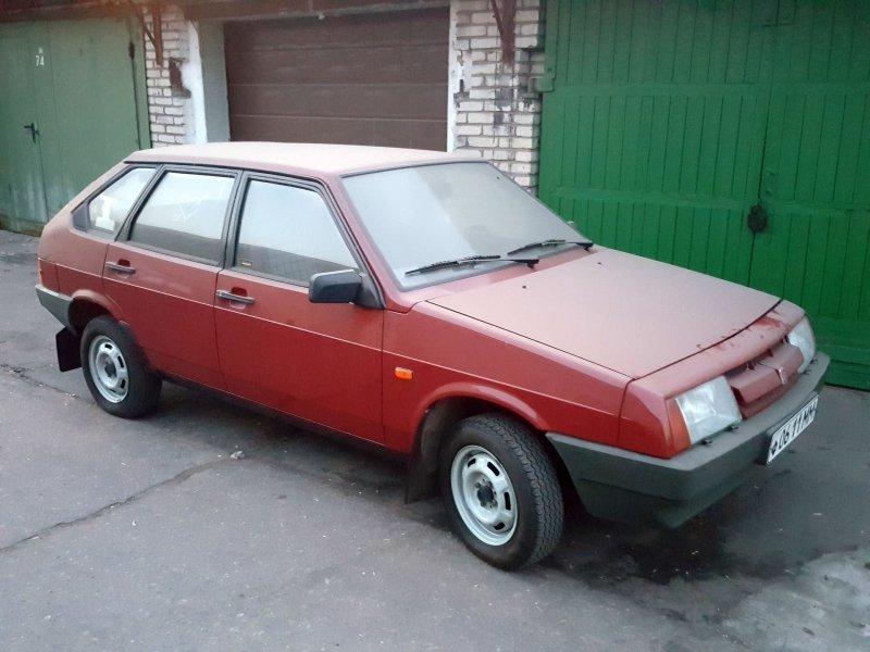 ВАЗ-2109 1989 года выпуска. Двигатель 1.3 бензиновый (60 л.с.) авто, автоваз, автомобили, ваз, ваз 2109, лада, ретро авто, янгтаймер