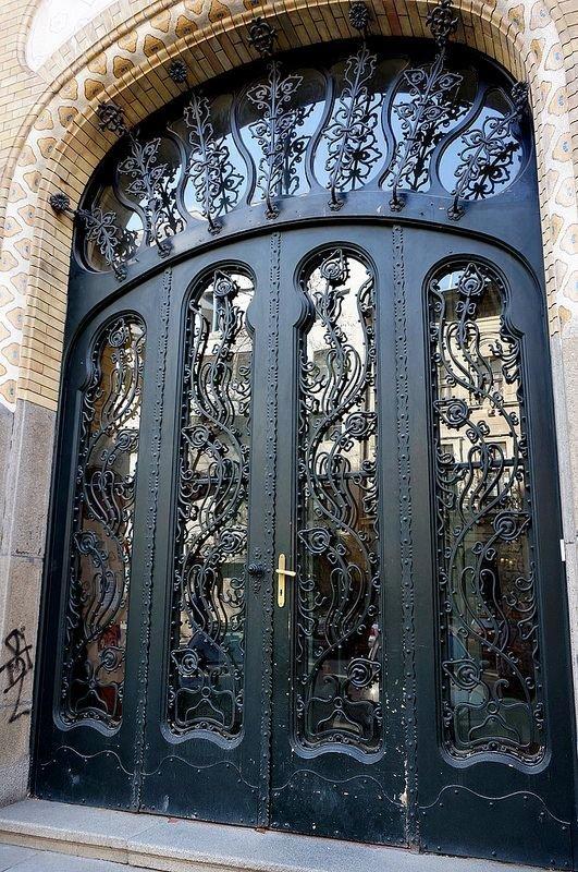 19. Венгрия doors, Нил Гейман, архитектура, двери, дизайн, красиво, красивые двери, эстет