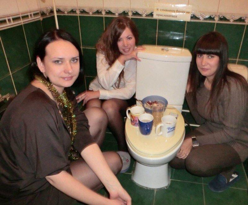 Вот понять не могу, почему женщин так привлекает туалетно-фекальная тема? всячина, мусор, позор, соцсети, стыдно, юмор