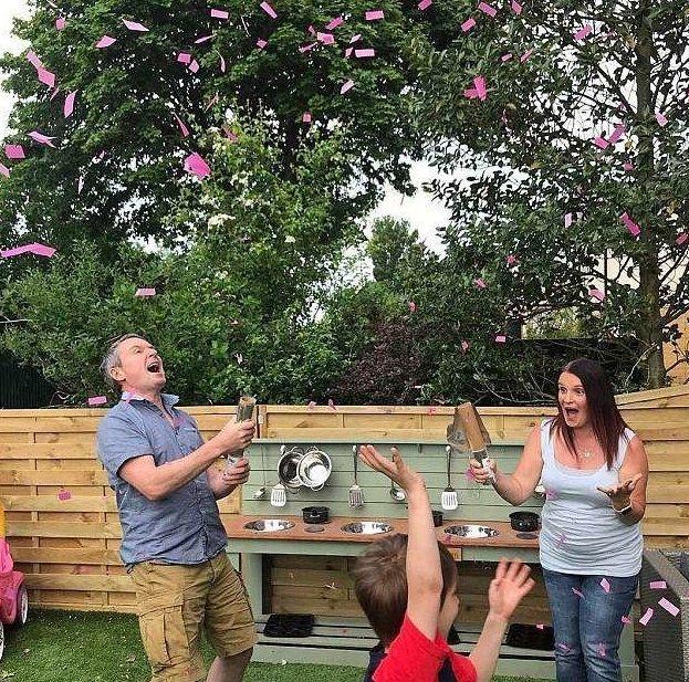 Самая большая семья в Британии ждет 21-го ребенка великобритания, и вот опять, многодетная семья, многодетные родители, необычная семья, родители-герои, удивительно, удивительные люди