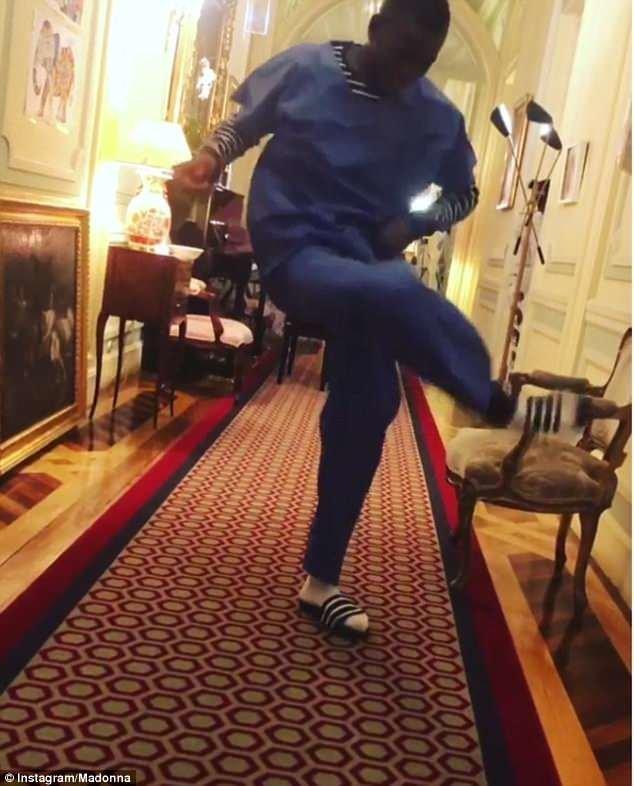 Мадонна и ее младенцы поселились в португальском дворце 18 века где живут, дворец, дети миллионеров, звезда, знаменитость, лиссабон, мадонна, приёмные дети
