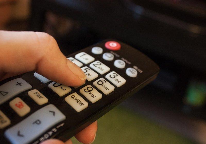 Социологи бьют тревогу. Россияне перестали смотреть телевизор идеология, новости, общеcтво, первый канал, социологи, телевизор, ток шоу