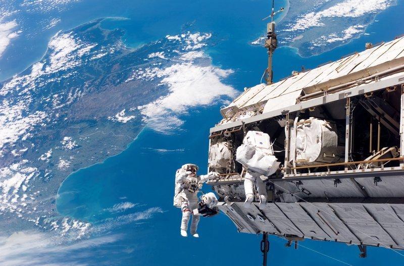 4. В космосе нет гравитации — ложь интересно, любопытно., факты
