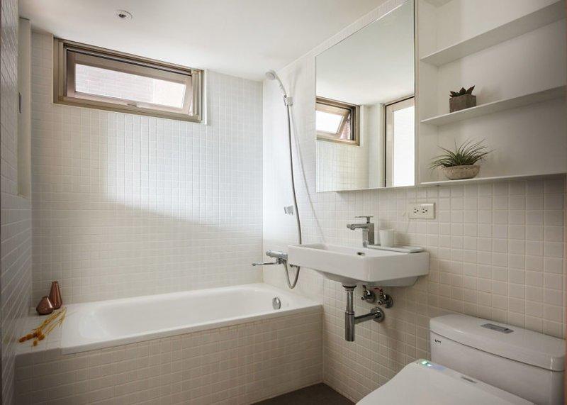 Удалось вместить ванну, а стиральную машинку переместили на кухню  дизайн, идея, квартира, комната, планировка, пространство, студия