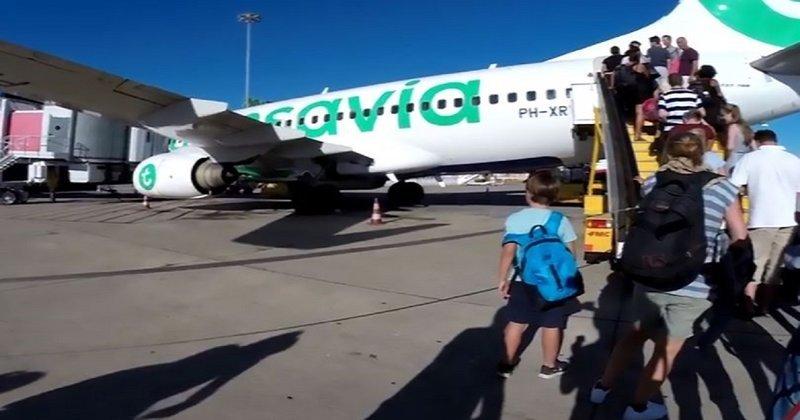 """""""Боинг"""" совершил экстренную посадку из-за плохого самочувствия нескольких пассажиров Transavia Airlines, ynews, пассажир, смешно, экстренная посадка"""