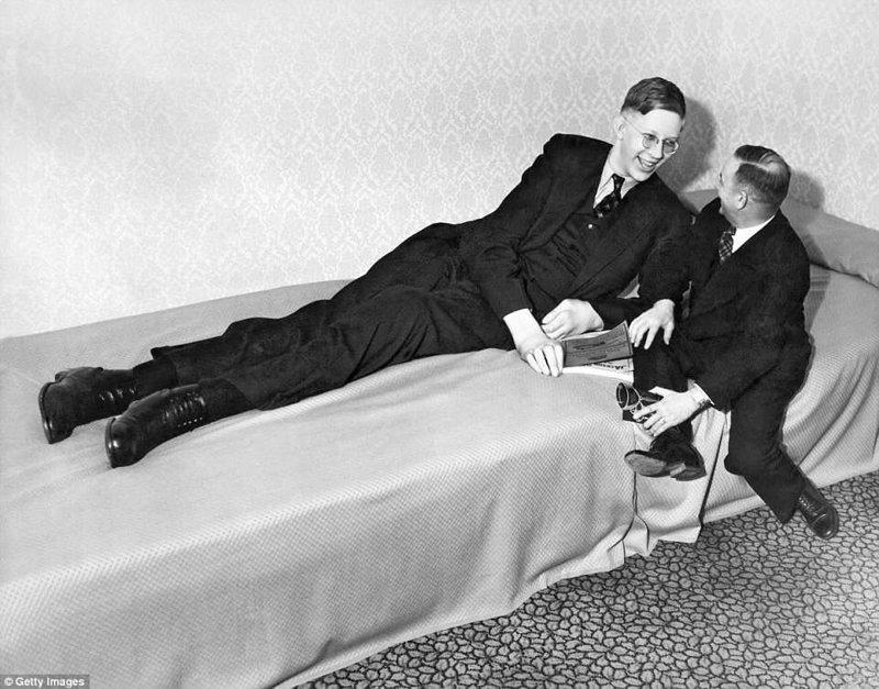 1937年的罗伯特1937年当时的增长是262厘米肢端肥大症,巨人,肿瘤,纪录,gynnes纪录,吉尼斯纪录保持者,最高,最高的男人