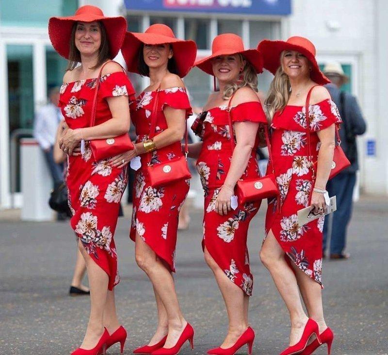 Гостьи скачек в Эпсоме - от истинных леди до любительниц пива Эпсом, великобритания, дамские наряды, дерби, светская жизнь, скачки, странные люди, эпсомское дерби