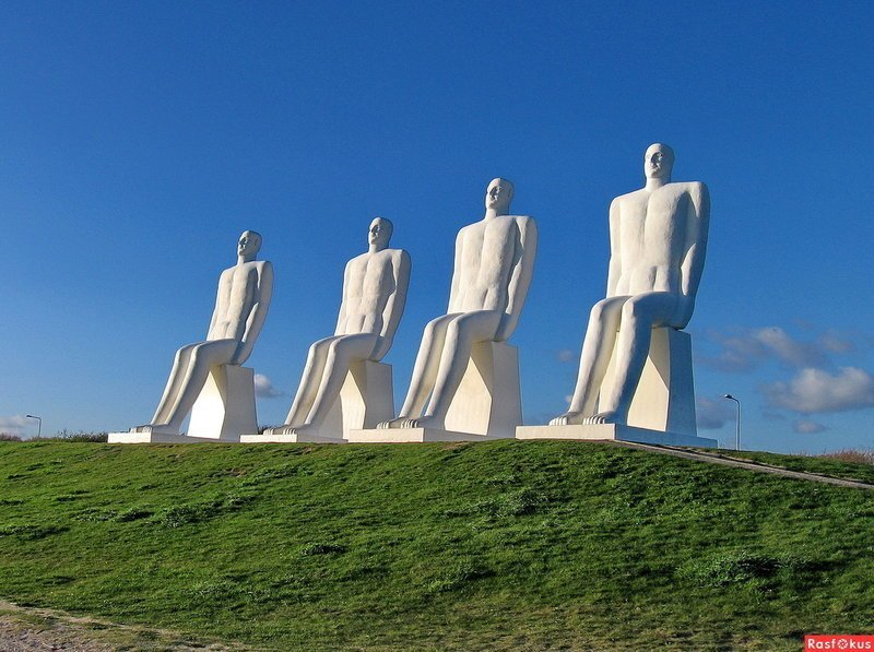 Человек встречает море - 9 метров в высоту, и 13,5 метров с постаментом Скульптуры, гигантизм, инсталляции, искусство, невероятное, удивительное