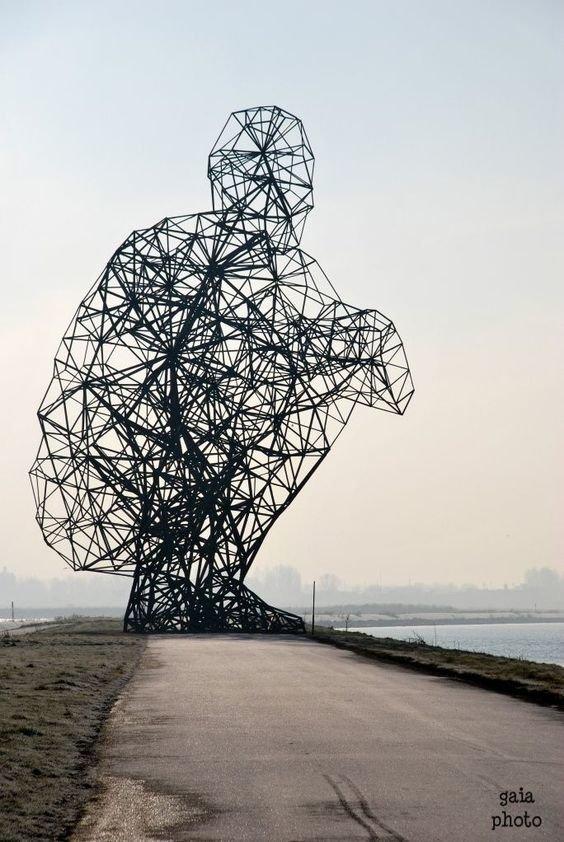 Энтони Гормлей. Размышляющий человек Скульптуры, гигантизм, инсталляции, искусство, невероятное, удивительное
