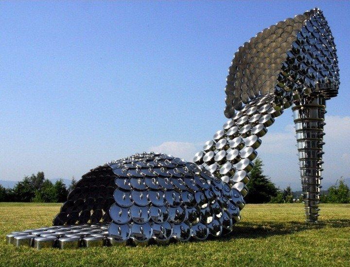 Хоана Васконcелос (Joana Vasconcelos) - Туфелька из кастрюль и крышек к ним Скульптуры, гигантизм, инсталляции, искусство, невероятное, удивительное