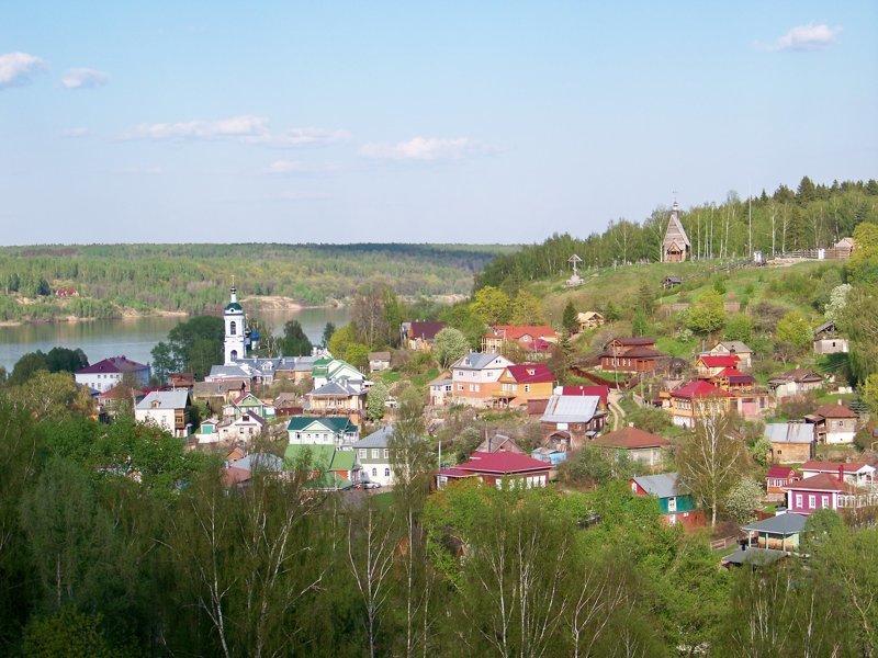 Стоит на правобережных холмах Волги. Наивысшая точка - 54 метра над уровнем реки Города России, Плёс, ивановская область, красивые города, пейзажи, путешествия, россия