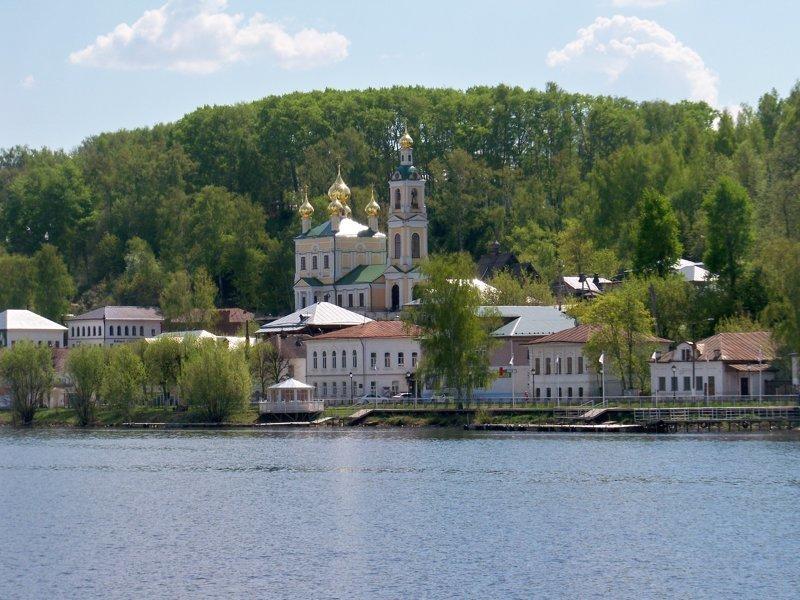 В последние годы превратился в элитный курорт для чиновников, олигархов и даже премьер-министра) Города России, Плёс, ивановская область, красивые города, пейзажи, путешествия, россия