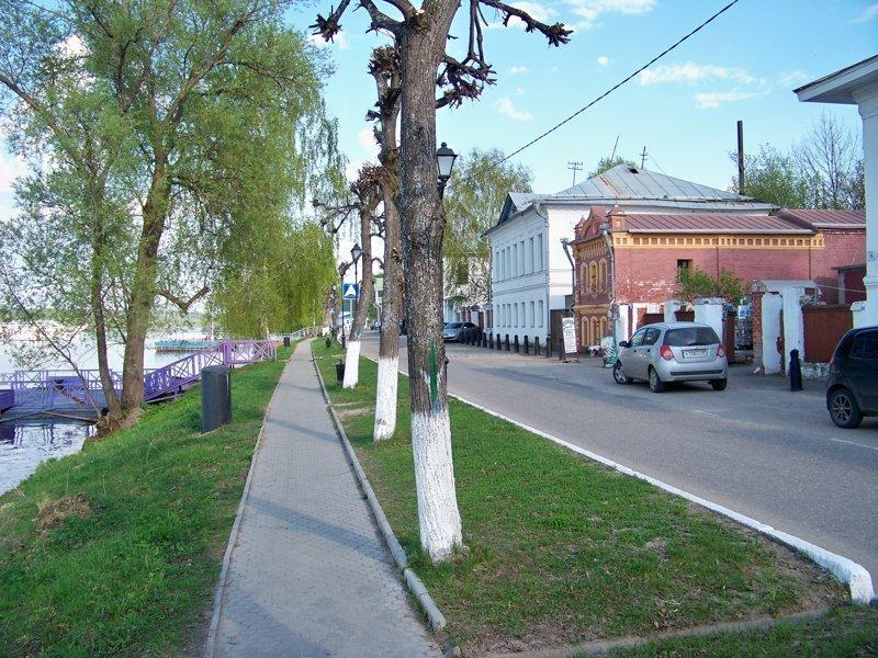 На набережной можно посидеть в кафе с видом на Волгу Города России, Плёс, ивановская область, красивые города, пейзажи, путешествия, россия