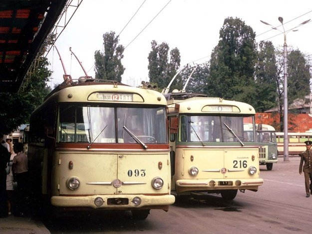 Старые ялтинские троллейбусы автобус, автомир, железная дорога, интересное, история, крым, трамвай, троллейбус