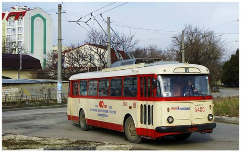 Старейший троллейбус Симферополя и всего СНГ. 9Tr 1972 года выпуска № 3400, до 1979 г. — № 101, до 1984 г. № 1400 (27 января 2013, пл. Веры Роик) автобус, автомир, железная дорога, интересное, история, крым, трамвай, троллейбус