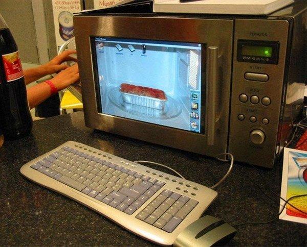 А в этом в печь встроен ЖК-монитор  дизайн, из микроволновки, мастера на все руки, очумелый ручки, поделки, полезные идеи, своими руками