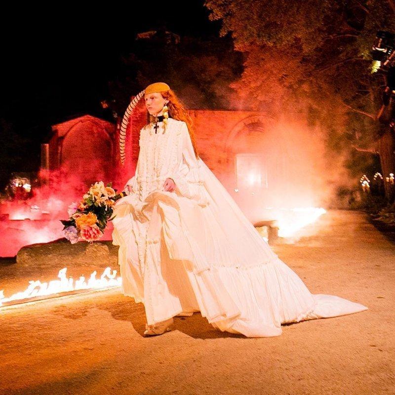Последний показ Gucci: гробы, дикий вой и пламя Gucci Cruise 2019, gucci, ynews, мода, от кутюр, показ коллекции