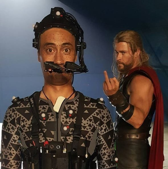 22. Корг и Тор на самом деле не очень ладят друг с другом Marvel Avengers Assemble, Marvel Comics, За кадром известных фильмов, за кадром, мстители на сьемках, мстители смешные моменты, съемочная площадка, съёмки фильма