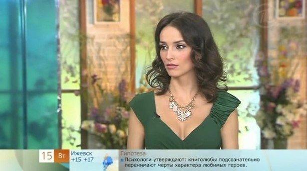 9.  Юлия Зимина - 36-летняя ведущая и актриса, есть ребенок ведущие, ведущие новостей, девушки, красиво