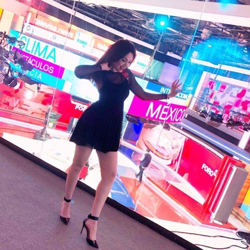 1. Mayte Carranco - ведущая прогноза погоды и других развлекательных программ из Мексики ведущие, ведущие новостей, девушки, красиво