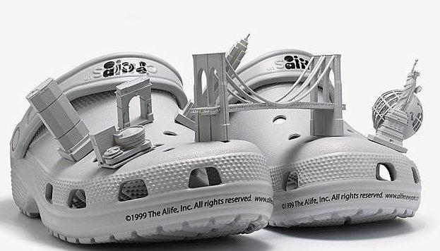 Любители носков под сандалии, эта новинка - для вас! ynews, кроксы, мода, модные новинки, необычно, новости, носки под сандалии, странная мода