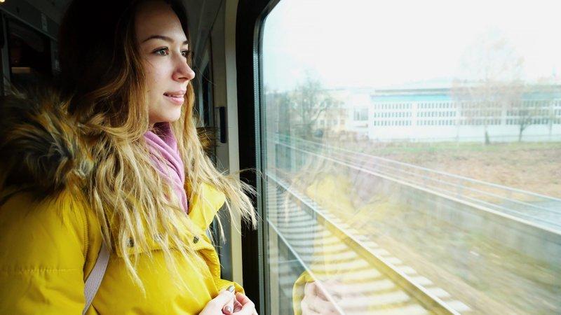 7. Сойти с поезда, чтобы позже продолжить свой маршрут билет на поезд, пассажиры, плацкарт, поезд, права