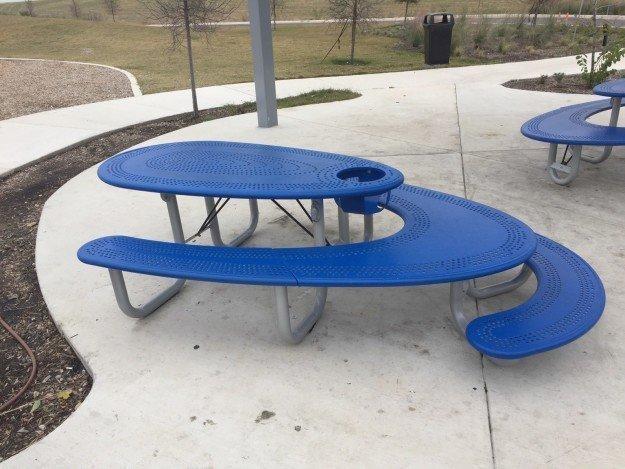 11. Скамейка для пикников для посетителей любого роста и возраста Лайфхак, в мире, гениально, идея, полезно, хитрости