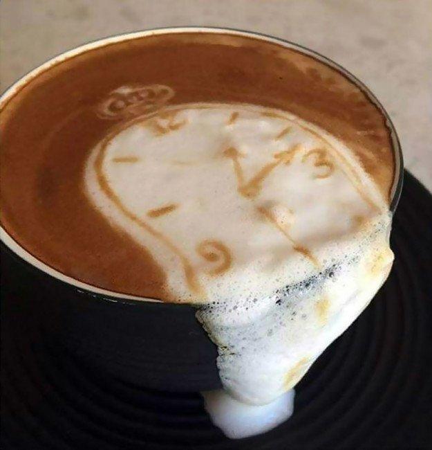 """3. Скоро во всех кофейнях  — модное латте """"Работы Дали"""" Лайфхак, в мире, гениально, идея, полезно, хитрости"""
