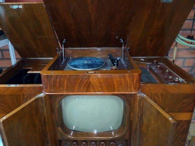 """Три в одном — телевизор, радио и проигрыватель пластинок. Назывался """"комбайн"""" """"Ленинград Т-3"""" СССР, гаджет, история, стиралка, техника, факты"""